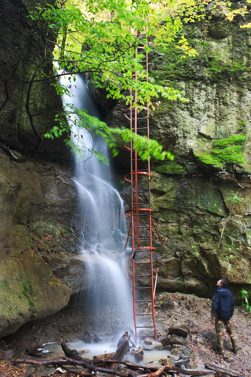 Waterfalls in Holdvilág-árok