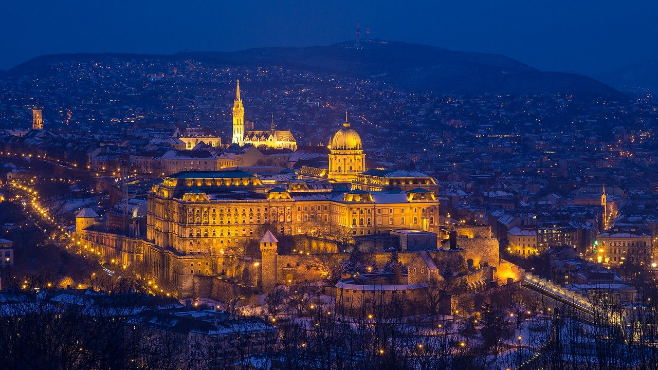Snowy Buda Castle from Citadel