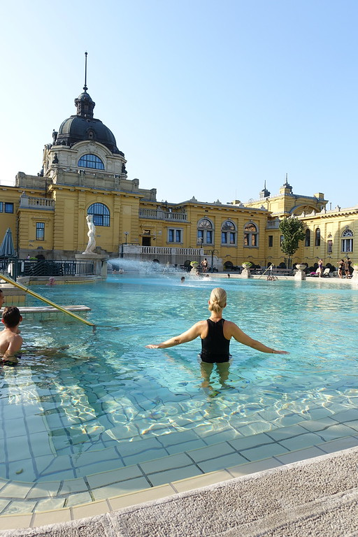 Szechenyi thermal bath outside pool summer morning