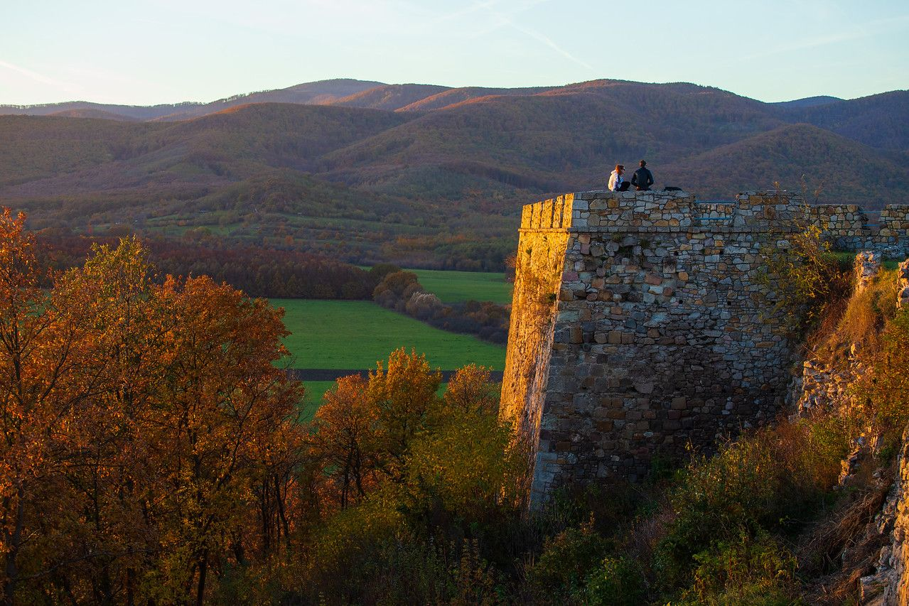 last rays of Sun on the Castle of Nograd