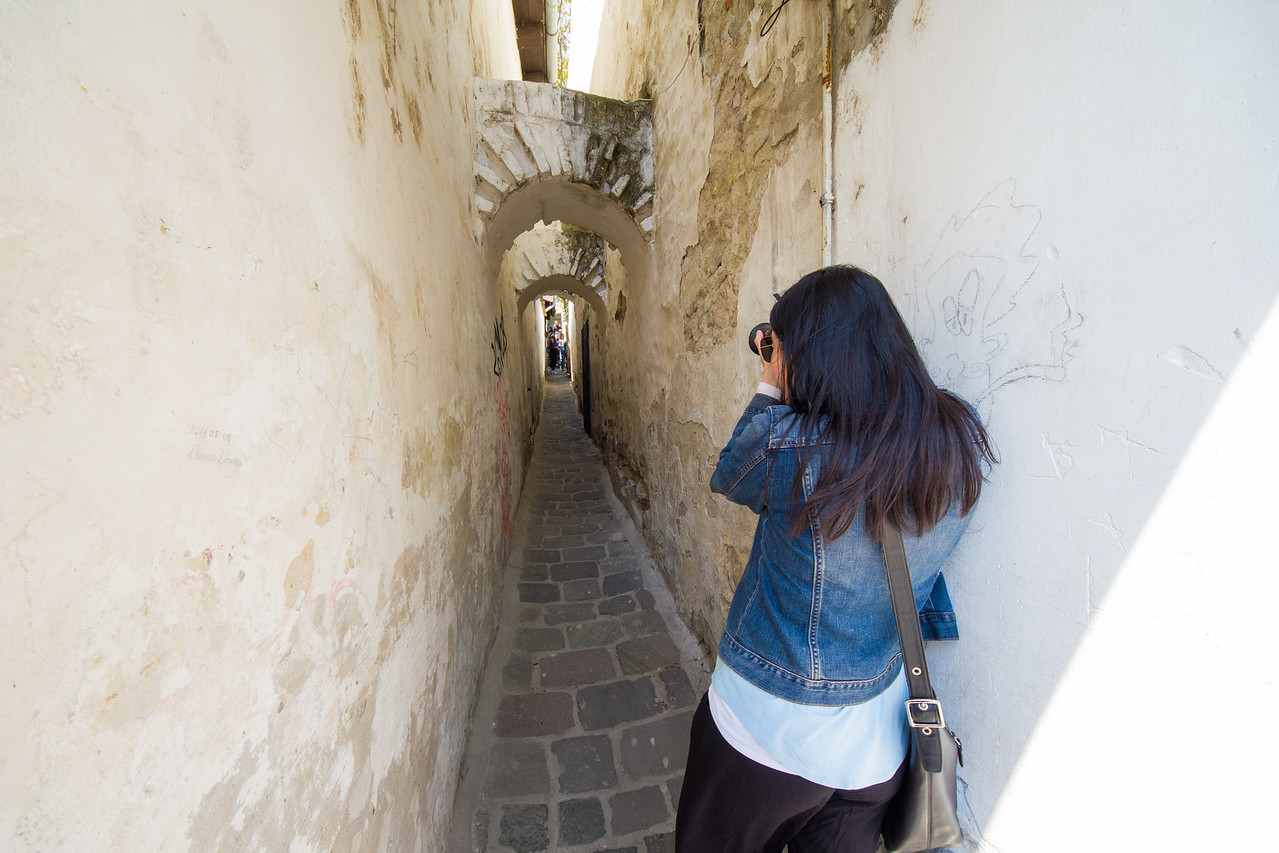 Szentendre taking photos of alley